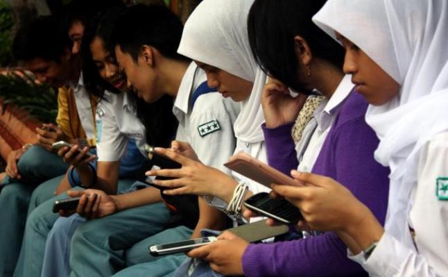 smartphone-pelajar-indonesia